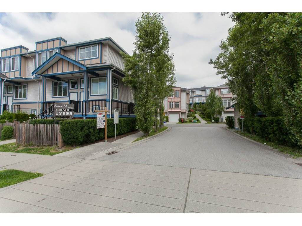 Main Photo: 35 13899 LAUREL Drive in Surrey: Whalley Townhouse for sale (North Surrey)  : MLS®# R2086613