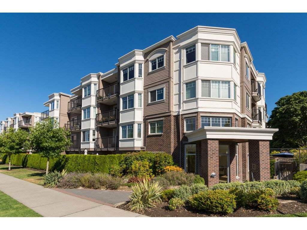"Main Photo: 205 15389 ROPER Avenue: White Rock Condo for sale in ""REGENCY COURT"" (South Surrey White Rock)  : MLS®# R2096620"