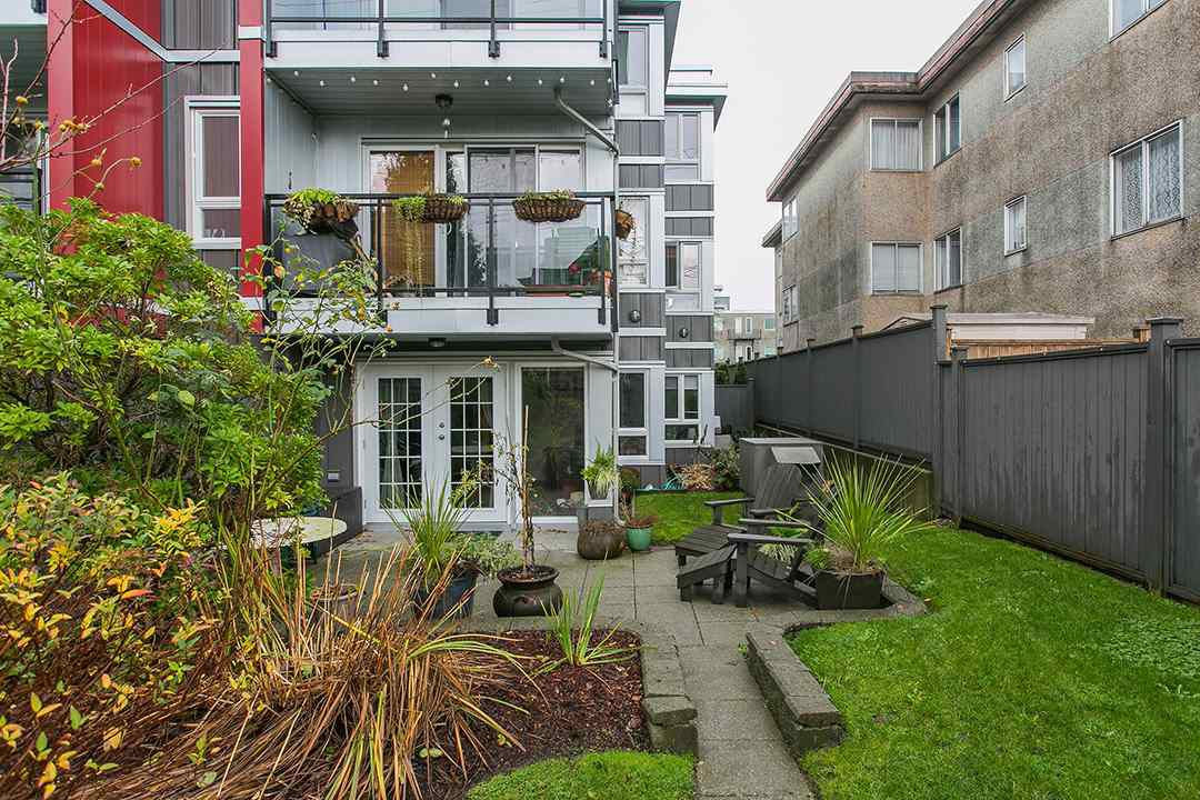Main Photo: 104 659 E 8TH Avenue in Vancouver: Mount Pleasant VE Condo for sale (Vancouver East)  : MLS®# R2123602