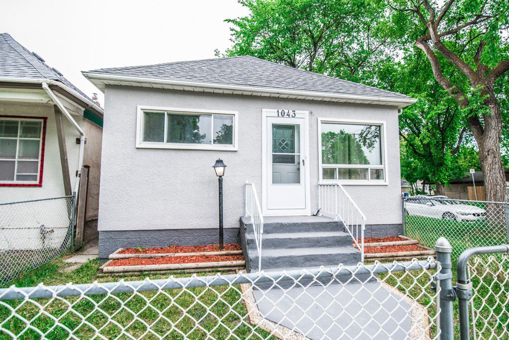 Main Photo: 1043 Alfred Avenue in Winnipeg: Single Family Detached for sale : MLS®# 1713613
