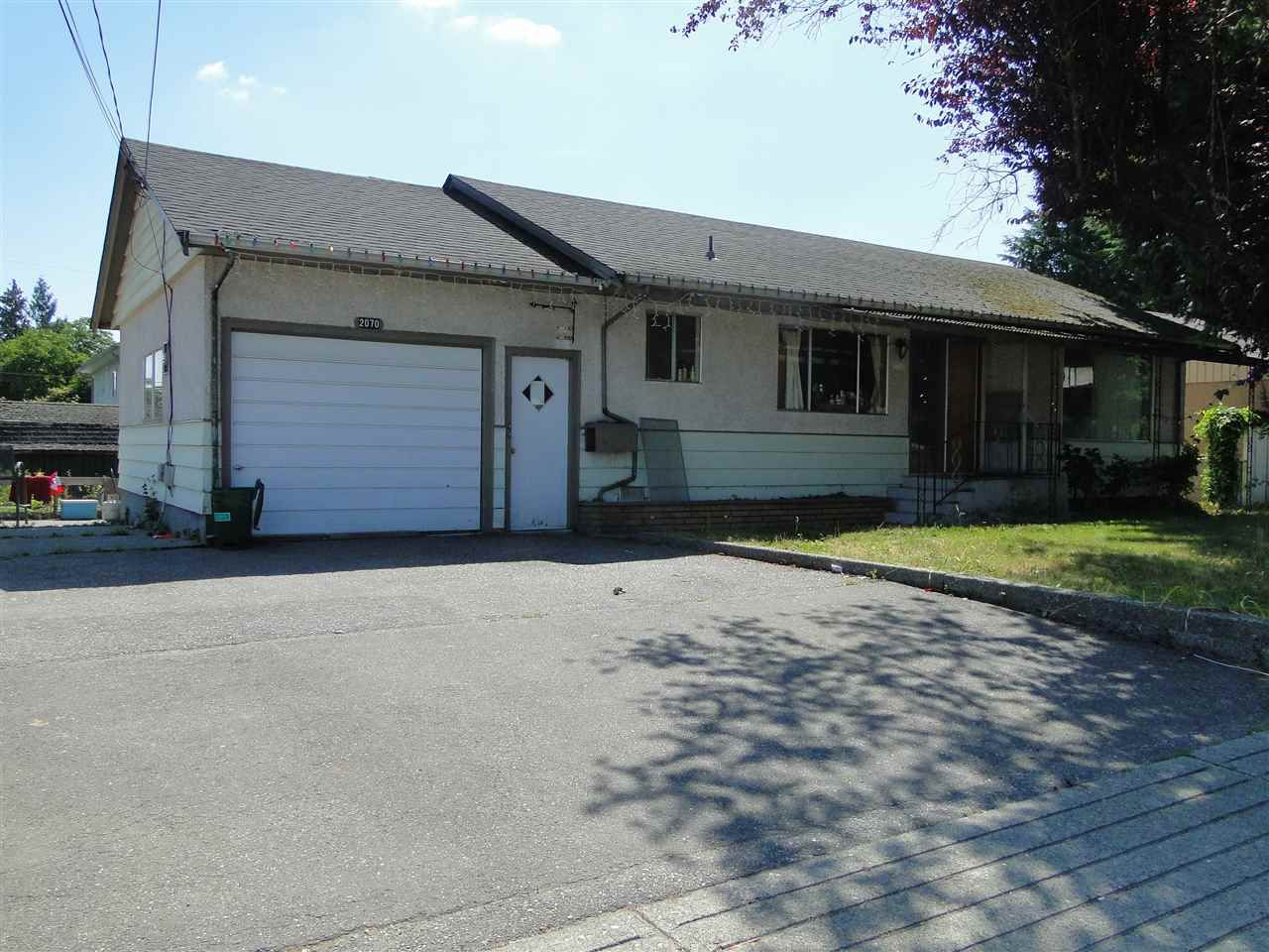 Main Photo: 2070 WARE Street in Abbotsford: Central Abbotsford House for sale : MLS®# R2188884