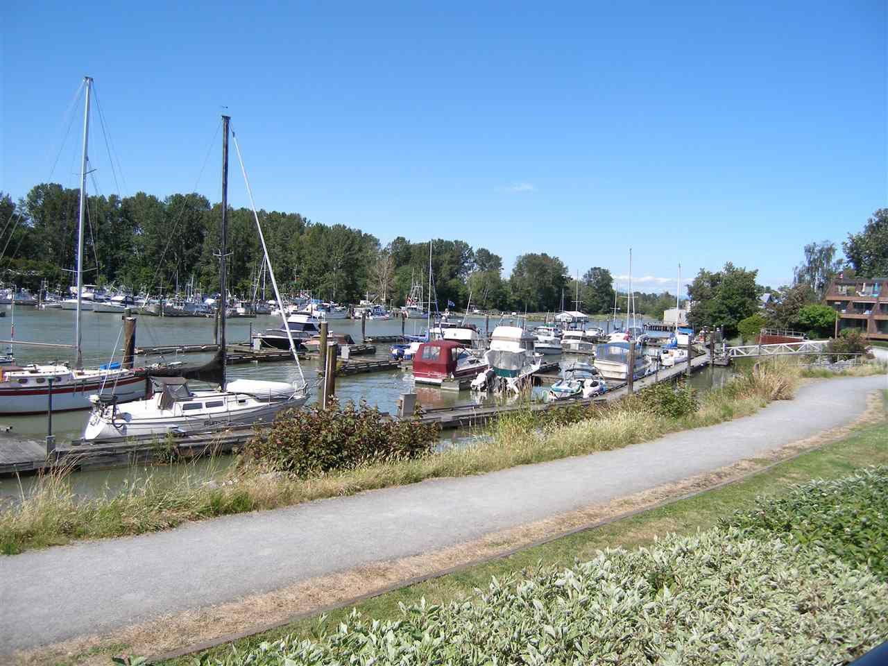 Main Photo: 109 4803 48 AVENUE in Delta: Ladner Elementary Condo for sale (Ladner)  : MLS®# R2183962