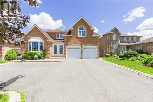 Main Photo: 5235 Creditview Road in Mississauga: East Credit House (2-Storey) for sale : MLS®# W3914379