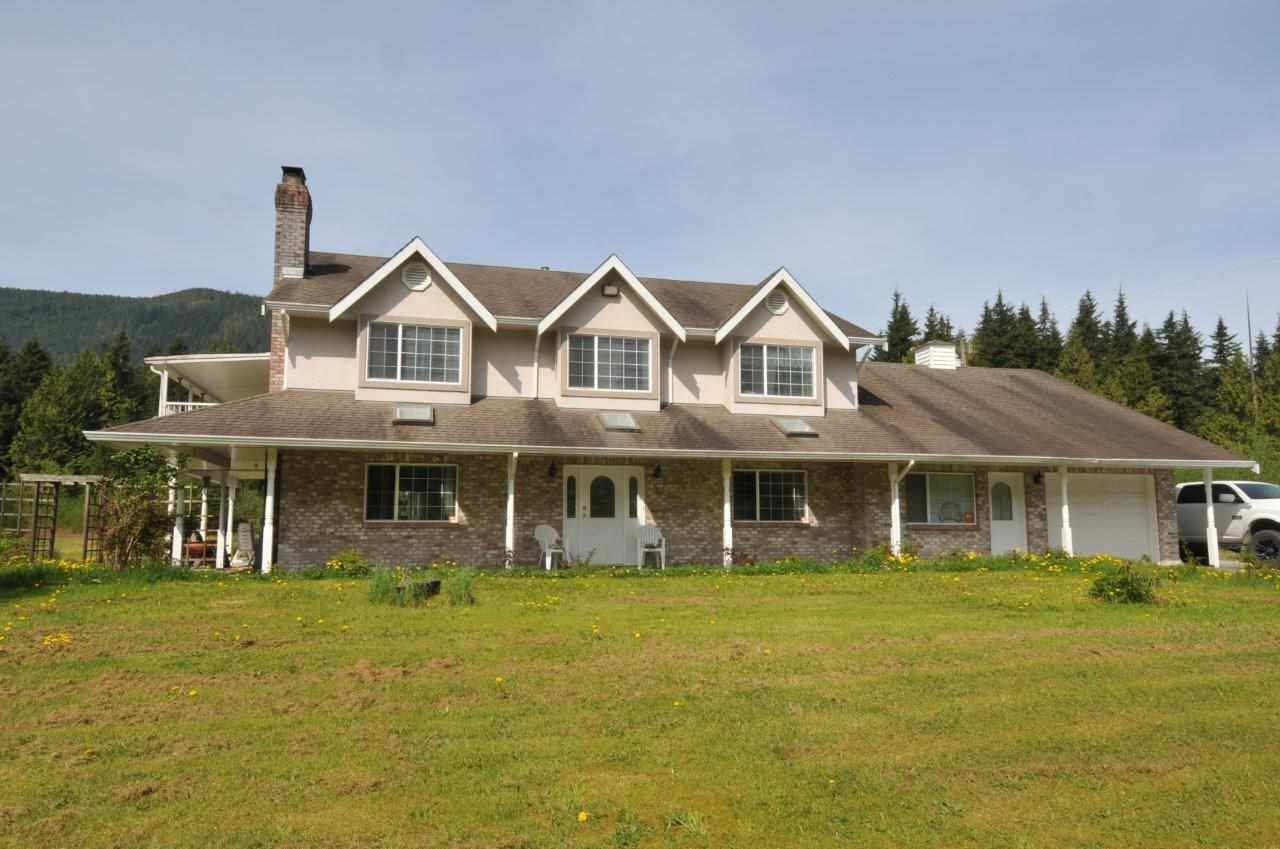Main Photo: 13025 BURNS Road in Mission: Durieu House for sale : MLS®# R2263644