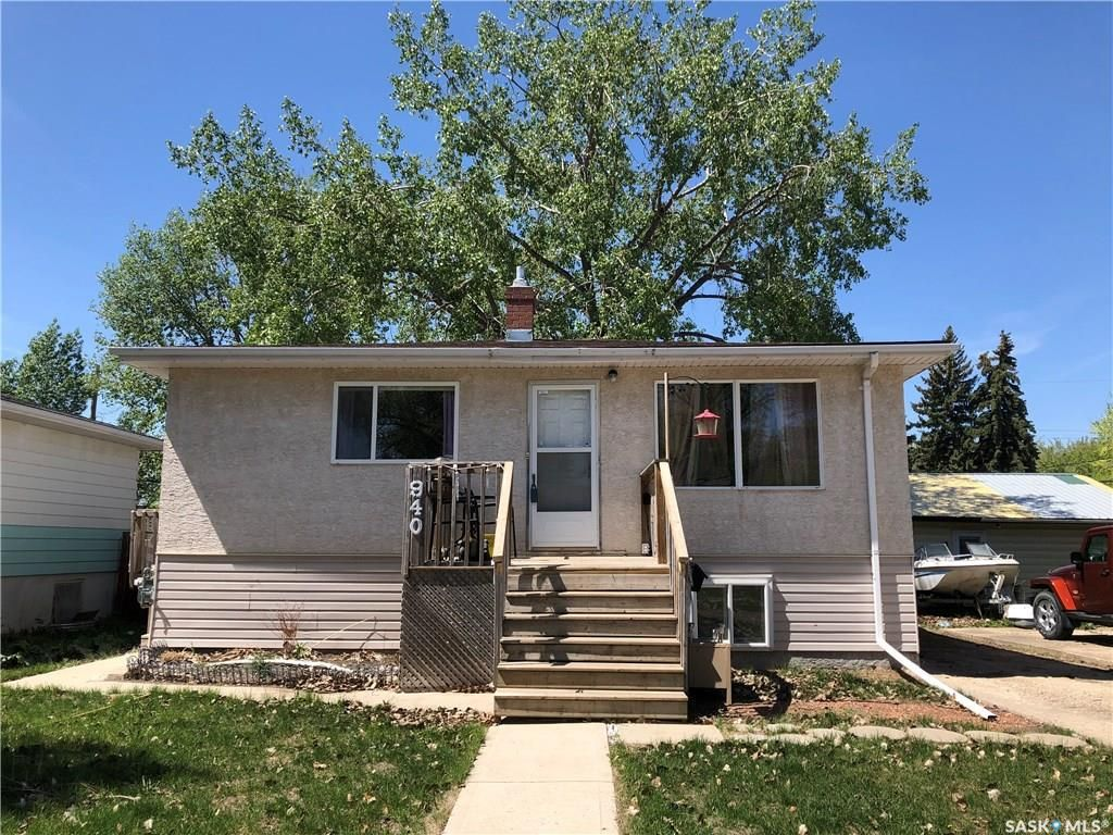 Main Photo: 940 Royal Street in Regina: Rosemont Residential for sale : MLS®# SK733097