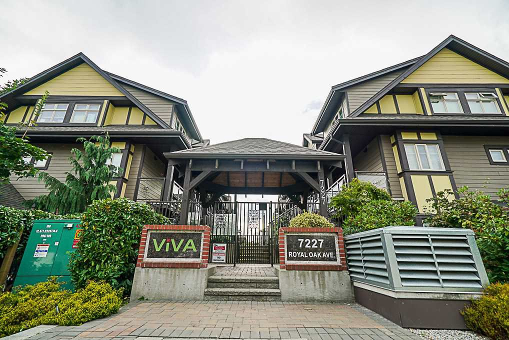 """Main Photo: 102 7227 ROYAL OAK Avenue in Burnaby: Metrotown Townhouse for sale in """"VIVA"""" (Burnaby South)  : MLS®# R2302097"""