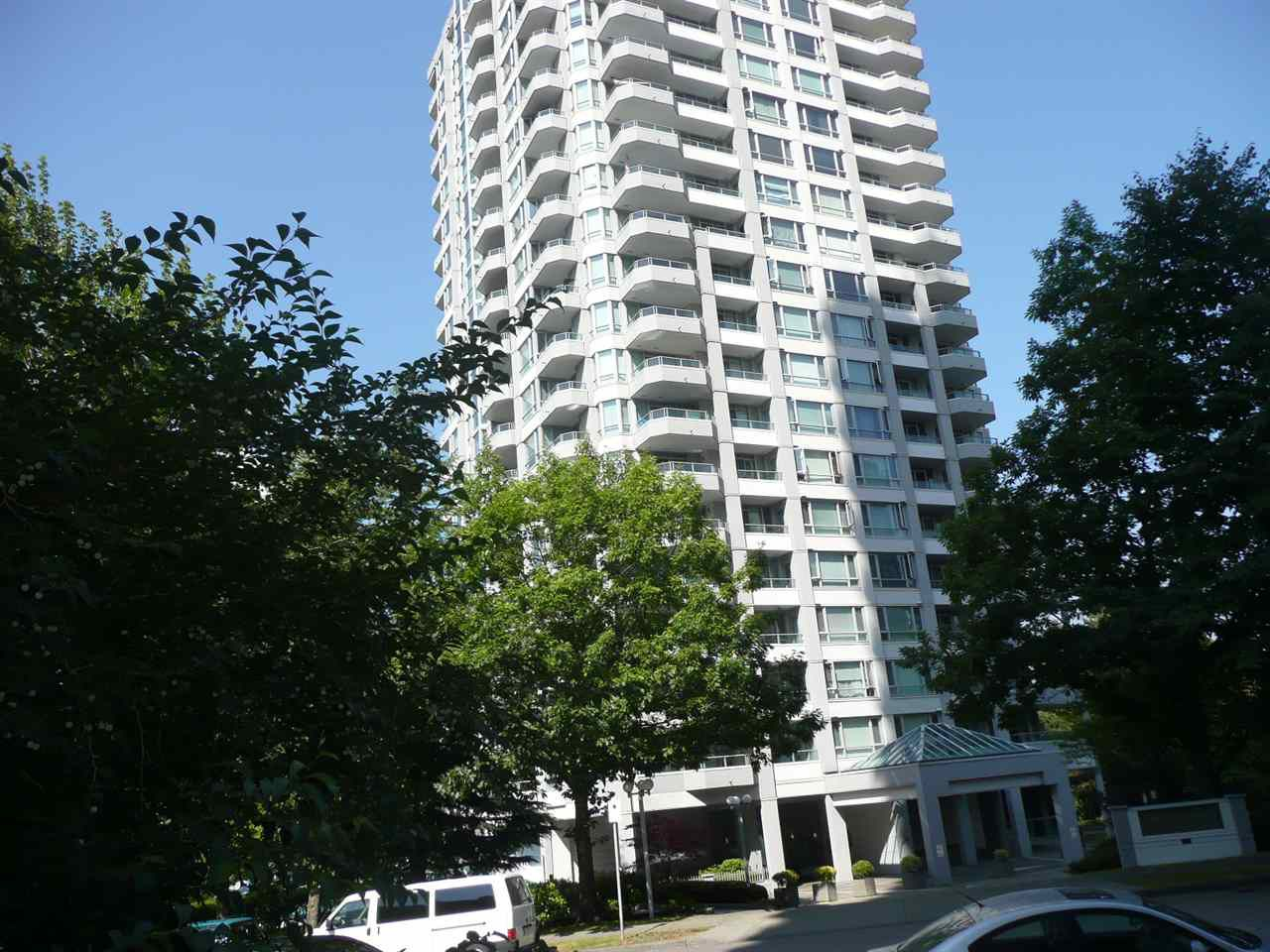 """Main Photo: 310 4825 HAZEL Street in Burnaby: Forest Glen BS Condo for sale in """"THE EVERGREEN"""" (Burnaby South)  : MLS®# R2330530"""