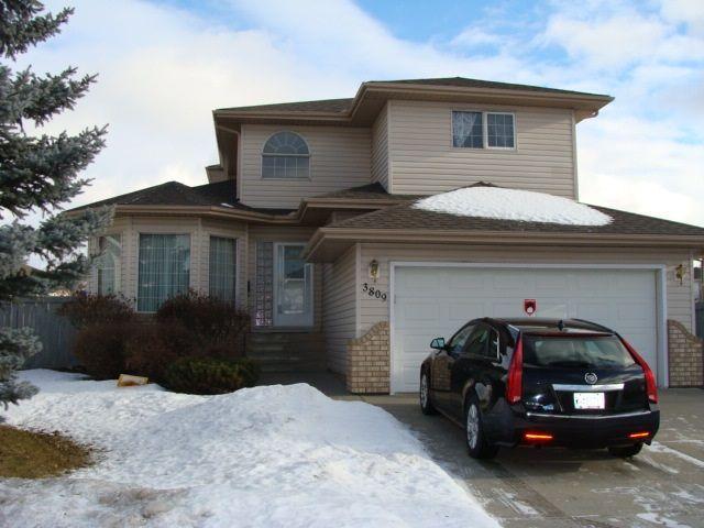 Main Photo: 3809 44 Street in Edmonton: Zone 29 House for sale : MLS®# E4142033