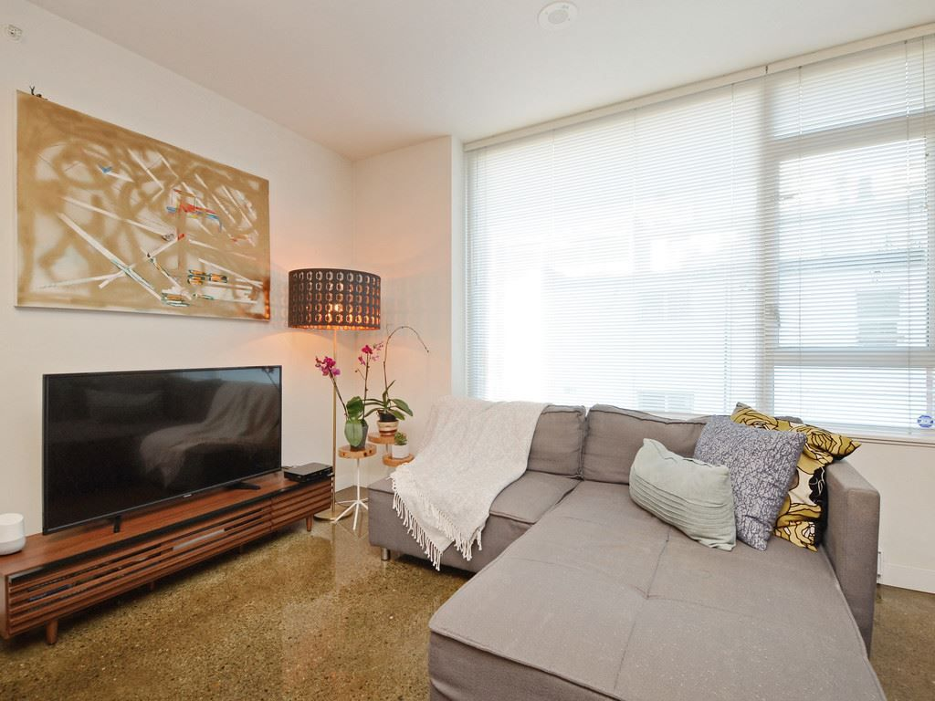 "Main Photo: 208 221 UNION Street in Vancouver: Mount Pleasant VE Condo for sale in ""V6A"" (Vancouver East)  : MLS®# R2339881"