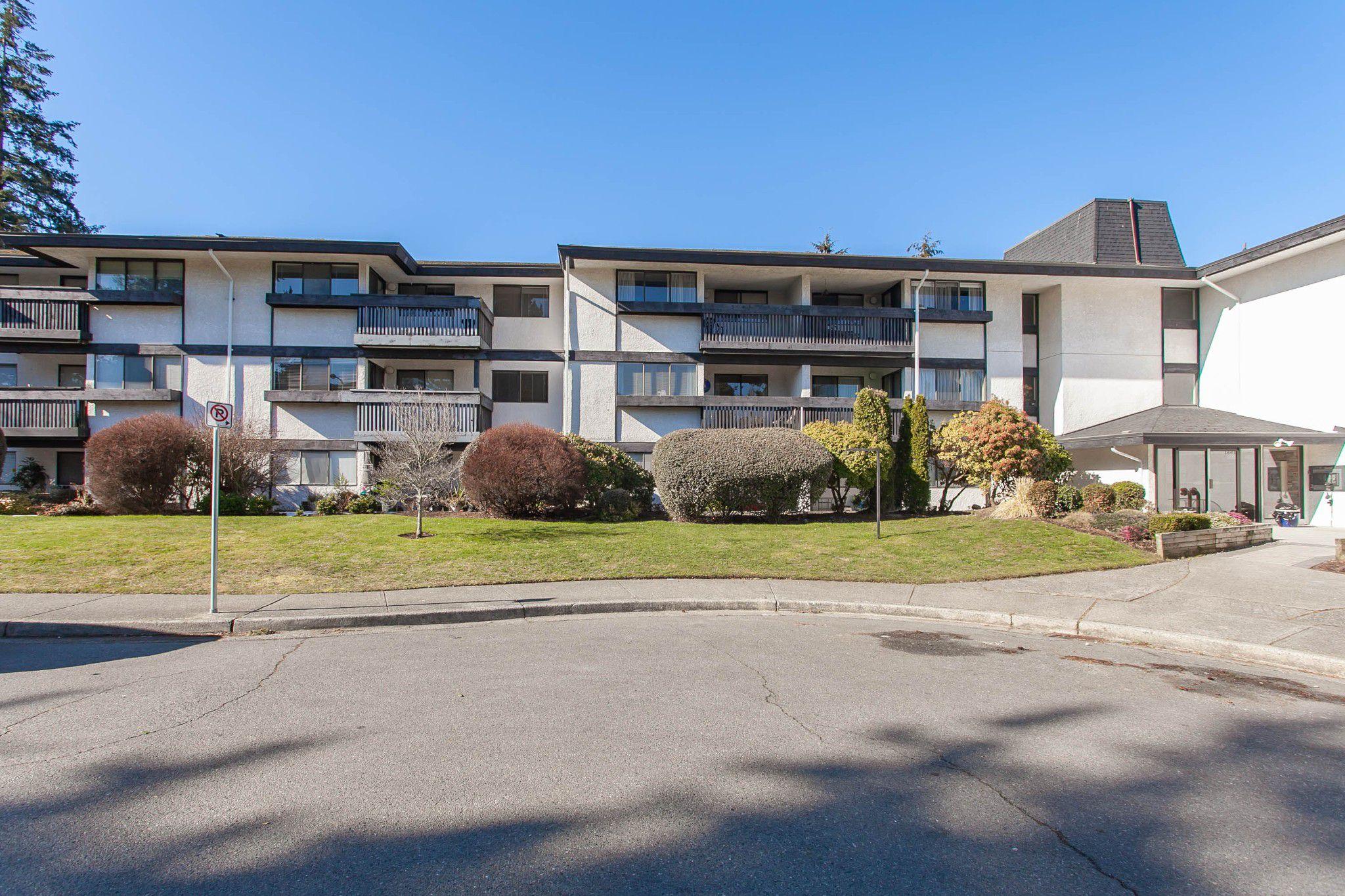 "Main Photo: 212 1561 VIDAL Street: White Rock Condo for sale in ""RIDGECREST"" (South Surrey White Rock)  : MLS®# R2344716"