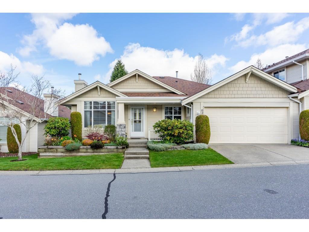 "Main Photo: 62 20751 87 Avenue in Langley: Walnut Grove Townhouse for sale in ""Summerfield"" : MLS®# R2359511"