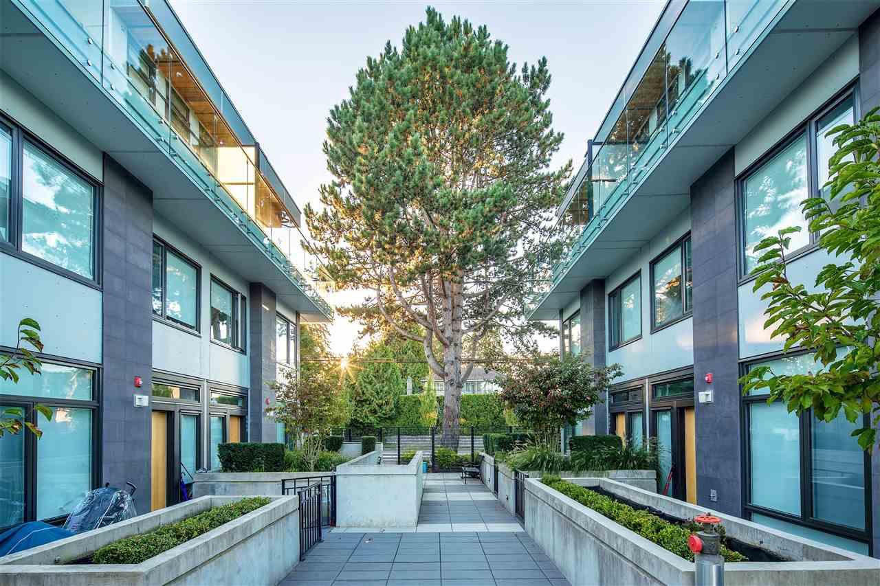 Main Photo: 6036 OAK Street in Vancouver: Oakridge VW Townhouse for sale (Vancouver West)  : MLS®# R2377610