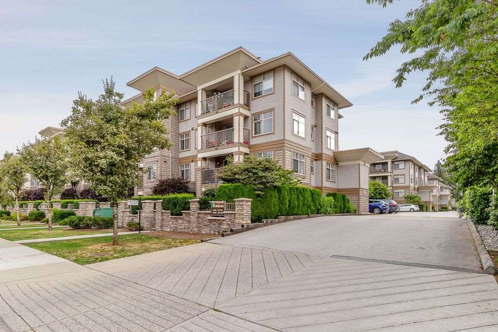 "Main Photo: 214 12248 224 Street in Maple Ridge: East Central Condo for sale in ""URBANO"" : MLS®# R2386859"