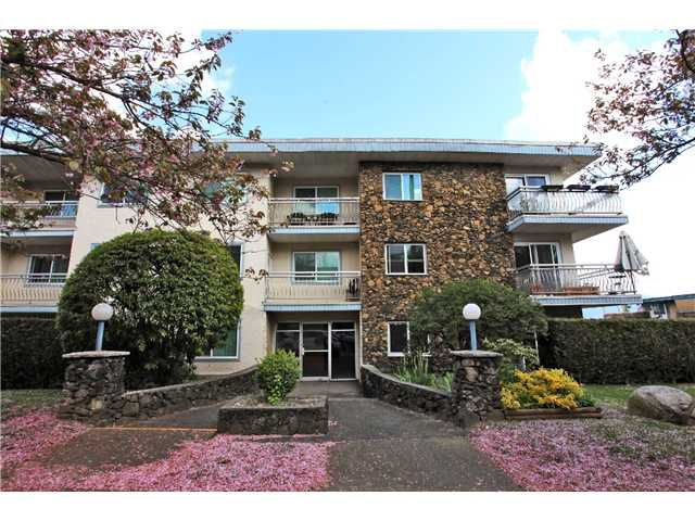 Main Photo: 209 711 E 6TH Avenue in Vancouver: Mount Pleasant VE Condo for sale (Vancouver East)  : MLS®# V1004453