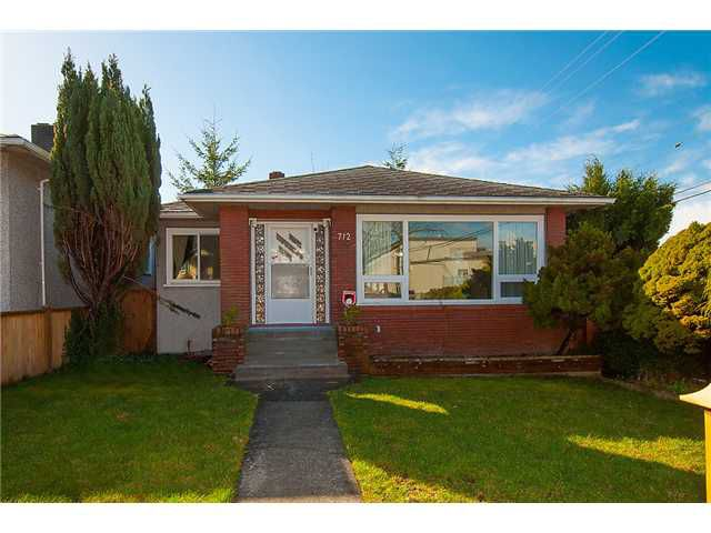 """Main Photo: 712 E 57TH Avenue in Vancouver: South Vancouver House for sale in """"SUNSET"""" (Vancouver East)  : MLS®# V1053288"""