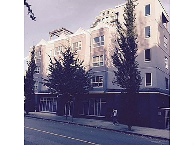 """Main Photo: 203 624 AGNES Street in New Westminster: Downtown NW Condo for sale in """"MCKENZIE STEPS"""" : MLS®# V1139156"""