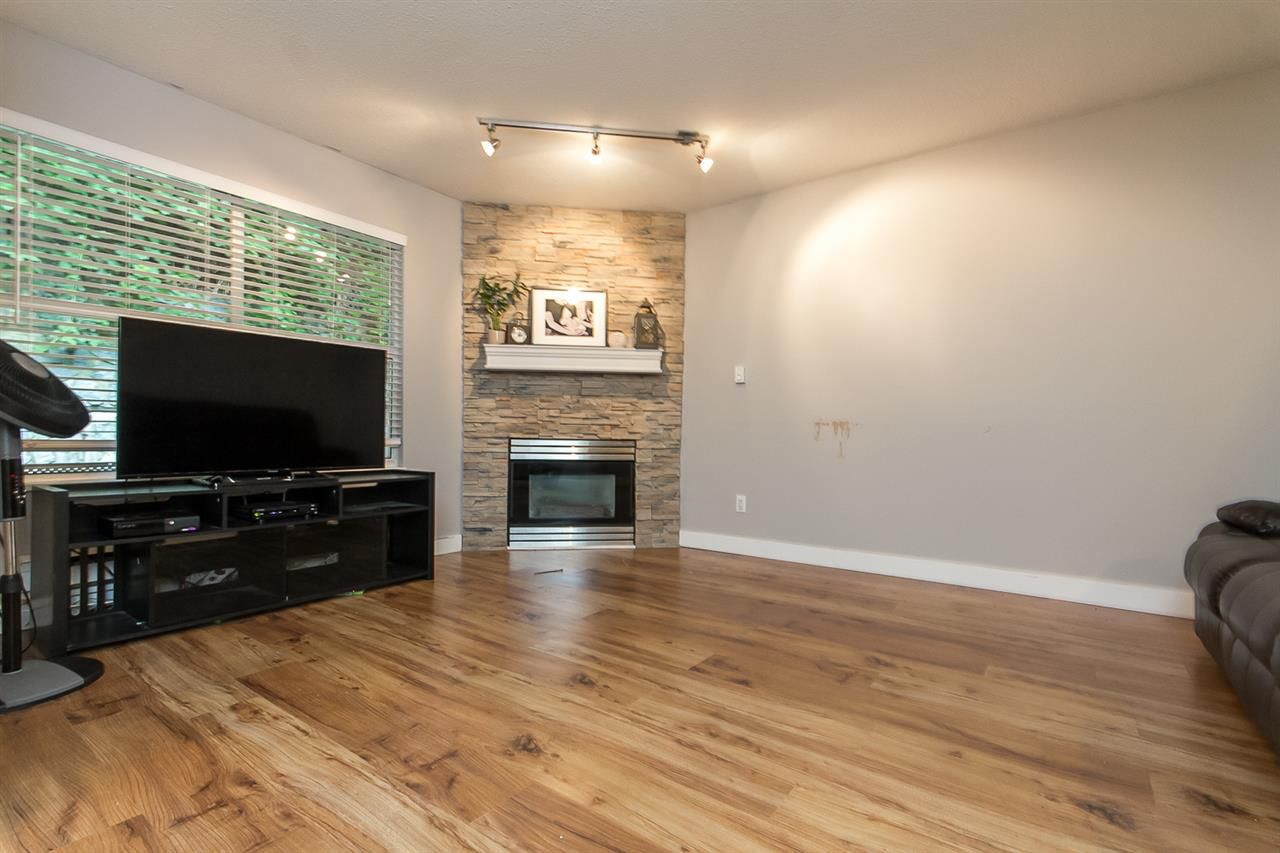 """Photo 3: Photos: 39 36060 OLD YALE Road in Abbotsford: Abbotsford East Townhouse for sale in """"Mountain View Village"""" : MLS®# R2103042"""
