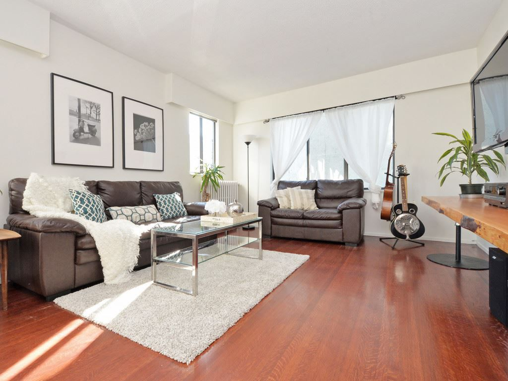 "Main Photo: 202 1004 WOLFE Avenue in Vancouver: Shaughnessy Condo for sale in ""THE ALVARADO"" (Vancouver West)  : MLS®# R2115500"