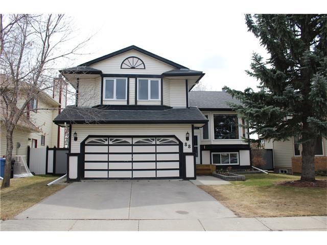 Main Photo: 88 MCKENNA Way SE in Calgary: McKenzie Lake House for sale : MLS®# C4110663