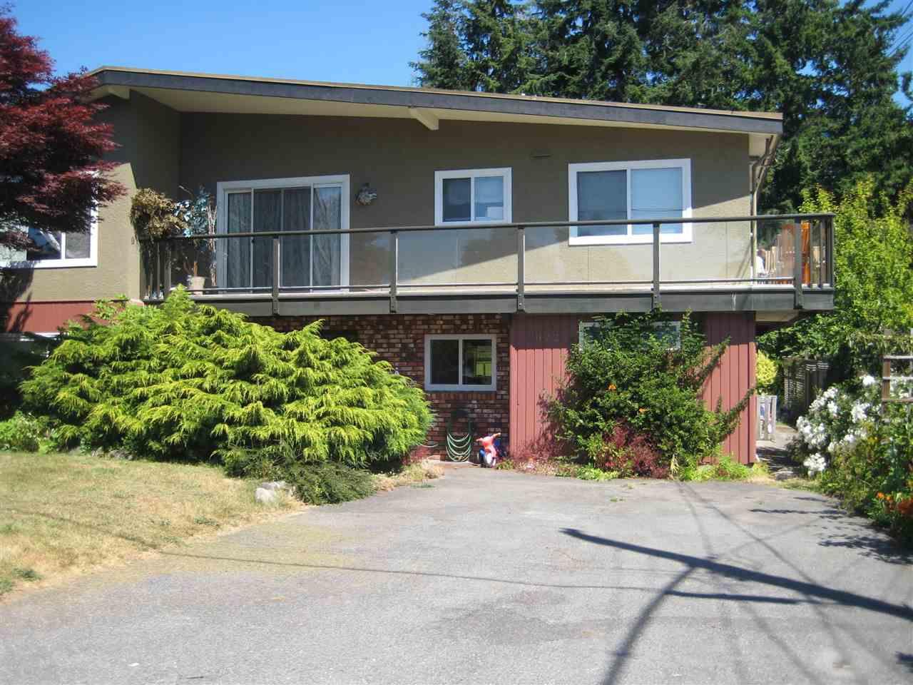 Main Photo: 1072 HABGOOD Street: White Rock House for sale (South Surrey White Rock)  : MLS®# R2188473