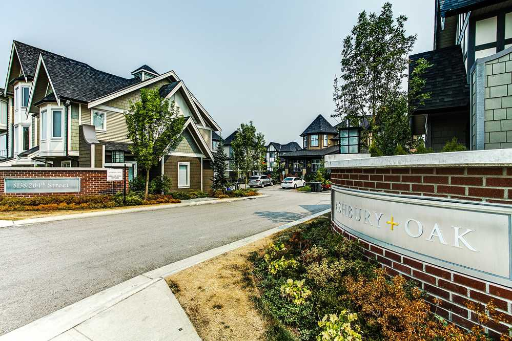 """Main Photo: 38 8138 204 Street in Langley: Willoughby Heights Townhouse for sale in """"ASHBURY OAK"""" : MLS®# R2195288"""