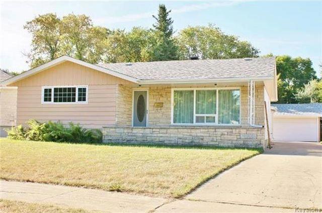 Main Photo: 34 Garnet Bay in Winnipeg: Fort Garry Residential for sale (1J)  : MLS®# 1723545