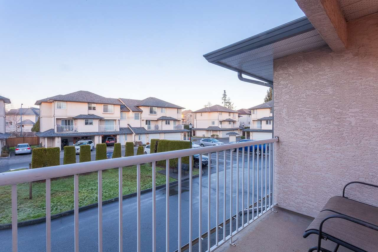"""Main Photo: 18 2458 PITT RIVER Road in Port Coquitlam: Mary Hill Townhouse for sale in """"SHAUGNESSY MEWS"""" : MLS®# R2232371"""