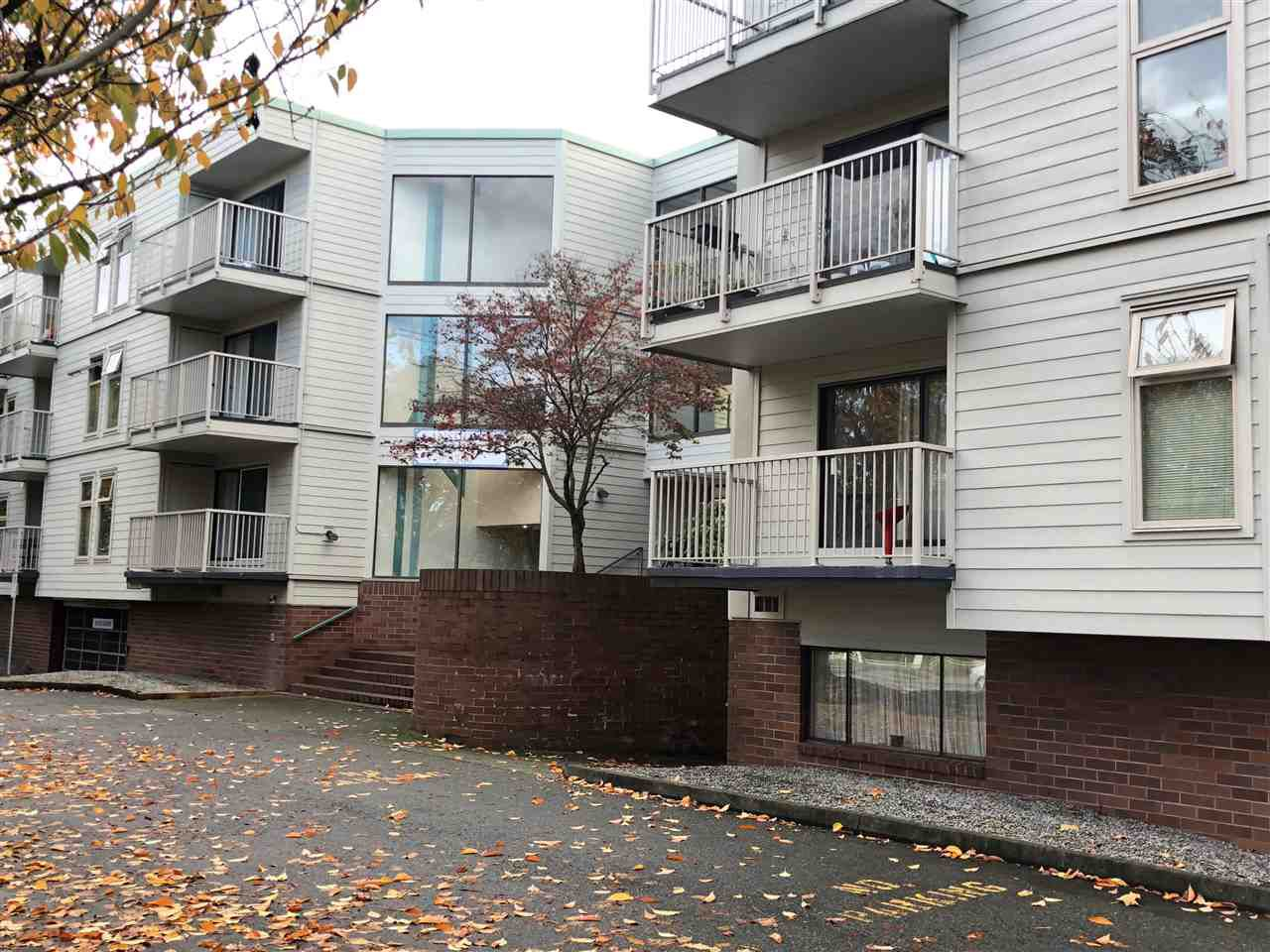 Main Photo: 119 8500 LANSDOWNE Road in Richmond: Brighouse Condo for sale : MLS®# R2320103