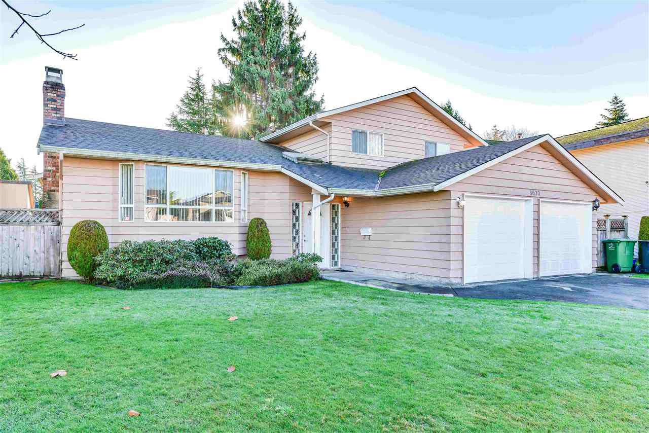 Main Photo: 8620 DEMOREST Drive in Richmond: Saunders House for sale : MLS®# R2326577