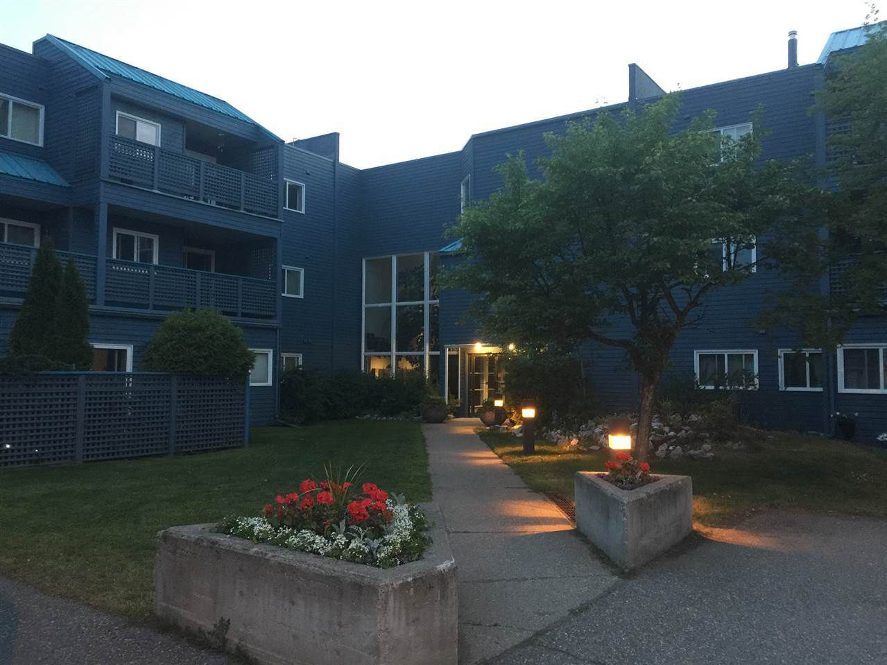 Main Photo: 220 3033 OSPIKA Boulevard in Prince George: Carter Light Condo for sale (PG City West (Zone 71))  : MLS®# R2345326
