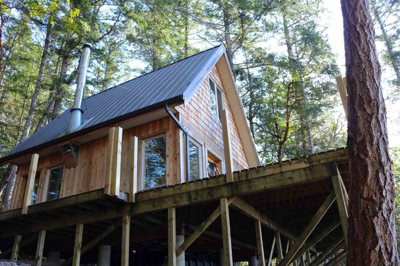 Main Photo: LOT 9 TRAIL Island in Sechelt: Sechelt District House for sale (Sunshine Coast)  : MLS®# R2348962
