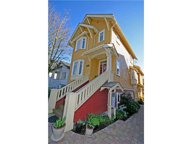Main Photo: 3528 W 5TH Avenue in Vancouver: Kitsilano House 1/2 Duplex for sale (Vancouver West)  : MLS®# V884619