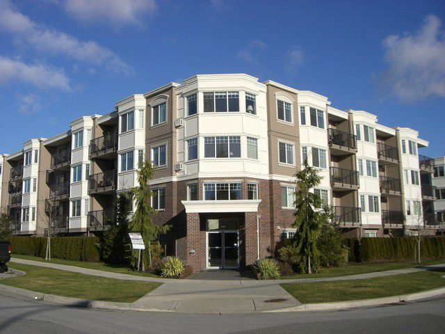 Main Photo: 208 15357 ROPER Avenue: White Rock Condo for sale (South Surrey White Rock)  : MLS®# F1401685