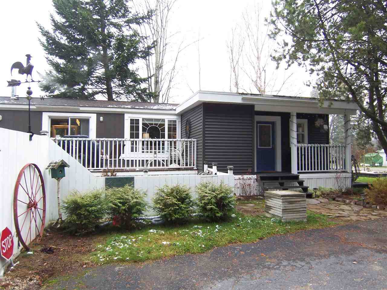 """Main Photo: 6958 ADAM Drive in PRINCE GRG: Emerald Manufactured Home for sale in """"EMERALD"""" (PG City North (Zone 73))  : MLS®# R2011241"""