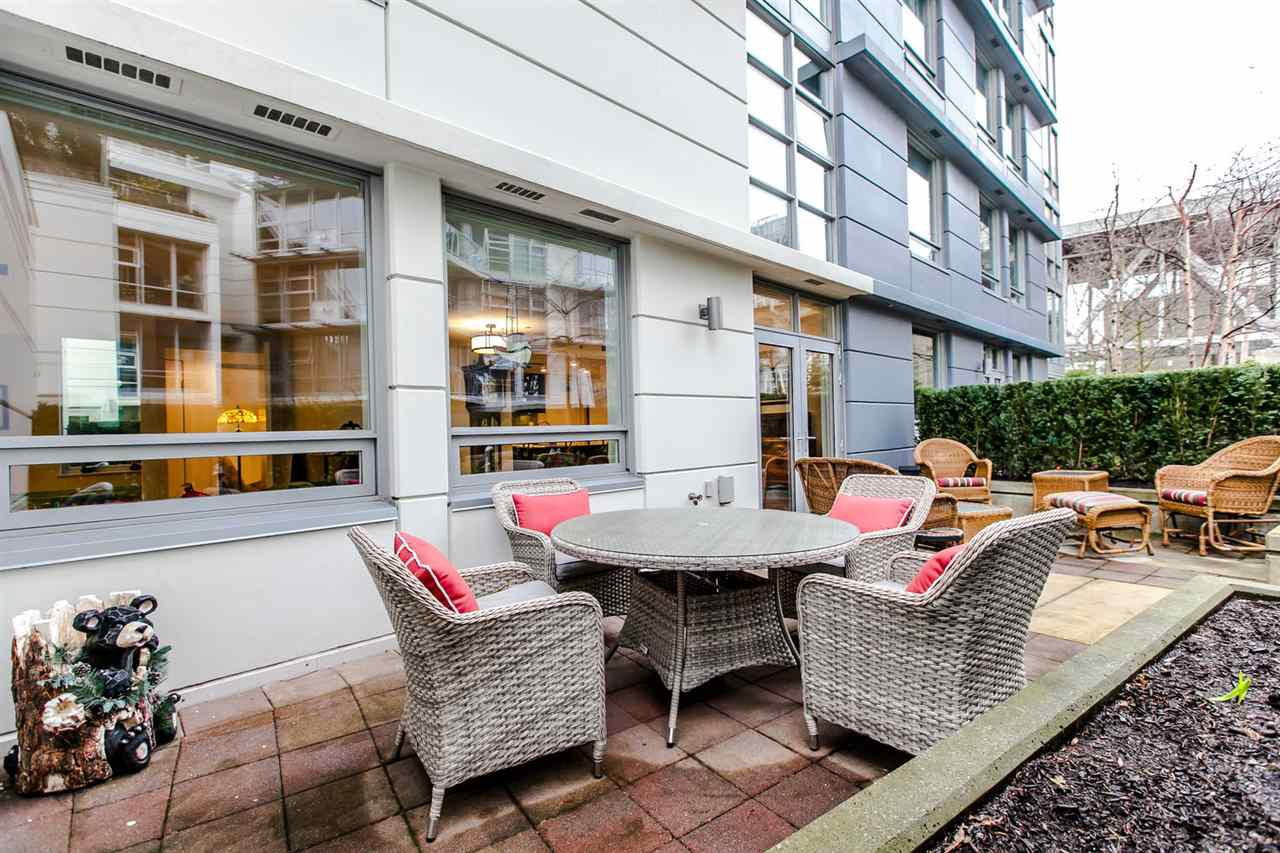 Main Photo: 307 633 KINGHORNE Mews in Vancouver: Yaletown Condo for sale (Vancouver West)  : MLS®# R2020763