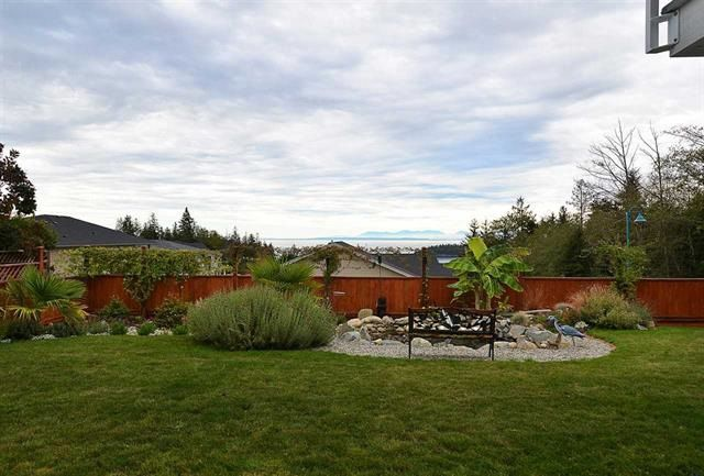 Photo 9: Photos: 6395 PICADILLY Place in Sechelt: Sechelt District House for sale (Sunshine Coast)  : MLS®# R2141559