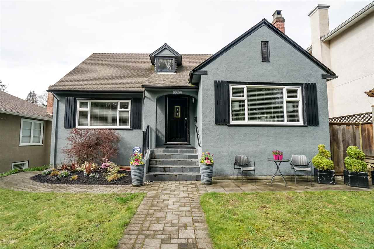 """Main Photo: 3861 W 27TH Avenue in Vancouver: Dunbar House for sale in """"Dunbar"""" (Vancouver West)  : MLS®# R2155453"""