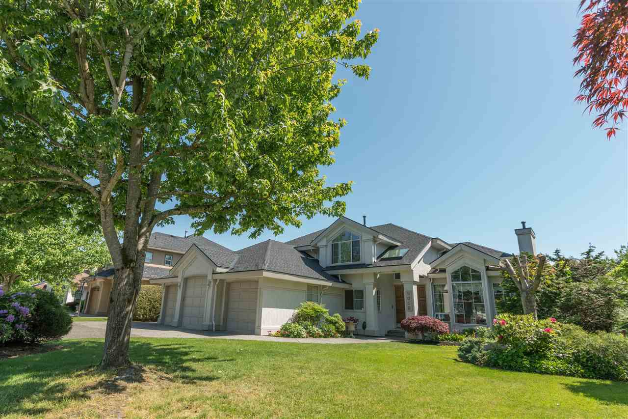 Main Photo: 9068 162 Street in Surrey: Fleetwood Tynehead House for sale : MLS®# R2171606