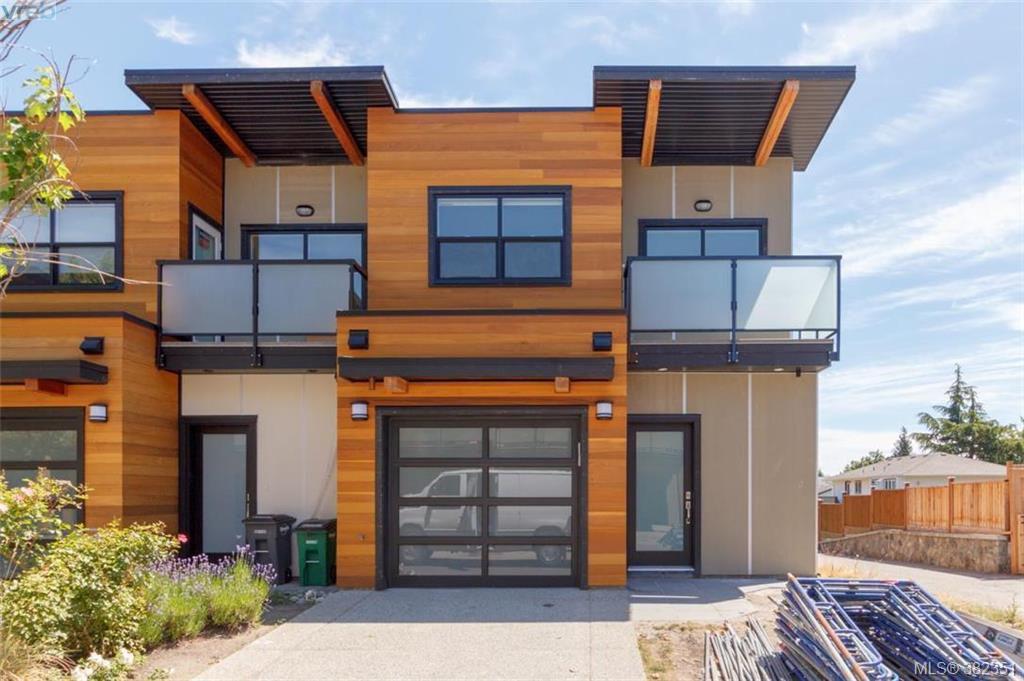 Main Photo: 22 4009 Cedar Hill Road in VICTORIA: SE Gordon Head Townhouse for sale (Saanich East)  : MLS®# 382351