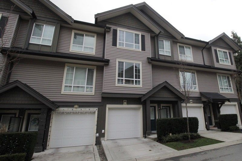 """Main Photo: 32 4967 220 Street in Langley: Murrayville Townhouse for sale in """"Winchester Estates"""" : MLS®# R2226577"""