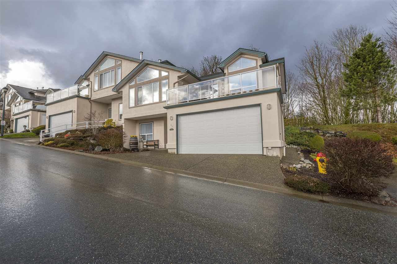 """Main Photo: 46 8590 SUNRISE Drive in Chilliwack: Chilliwack Mountain Townhouse for sale in """"Maple Hills"""" : MLS®# R2238305"""