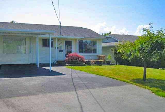 Main Photo: 417 Murray St in South Nanaimo: Apartment for sale