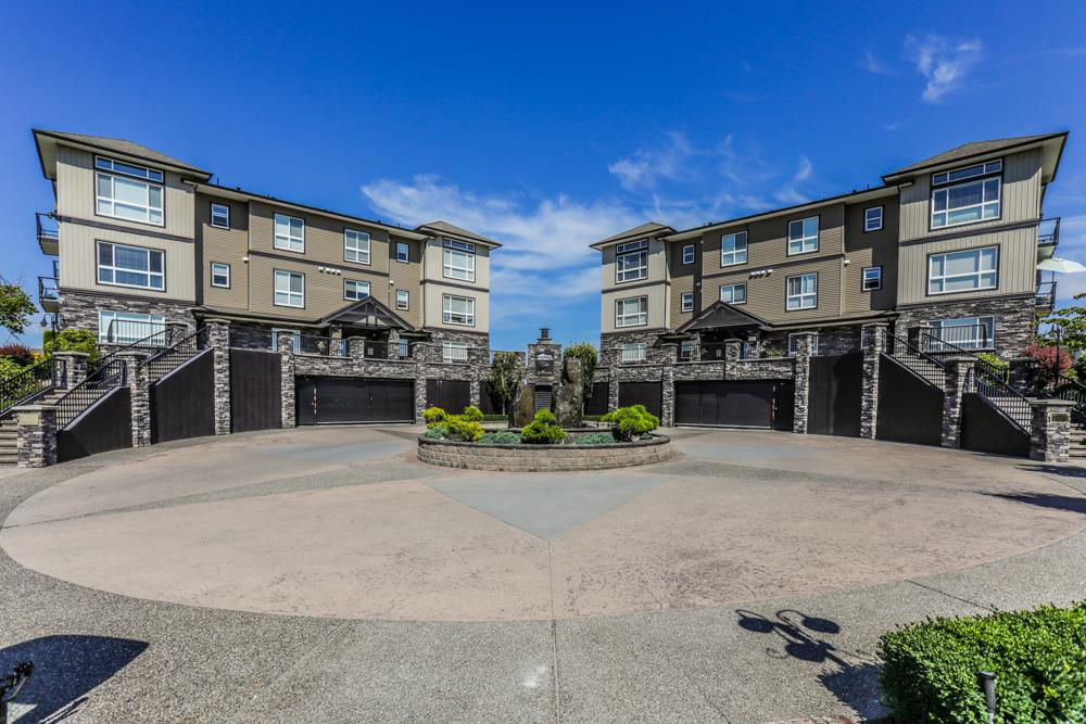"""Photo 1: Photos: B101 33755 7TH Avenue in Mission: Mission BC Condo for sale in """"THE MEWS"""" : MLS®# R2345242"""