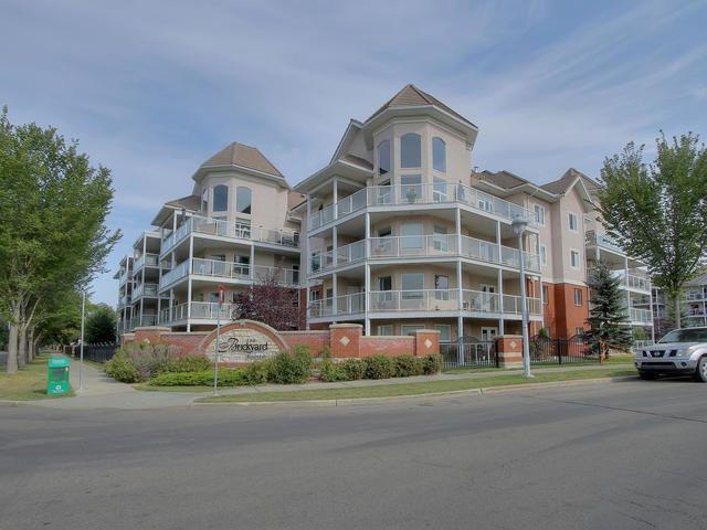 Main Photo: 402 9008 99 Avenue in Edmonton: Zone 13 Condo for sale : MLS®# E4147268
