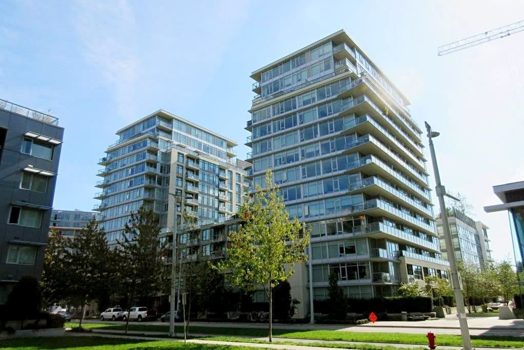 "Main Photo: 366 108 W 1ST Avenue in Vancouver: False Creek Condo for sale in ""WALL CENTRE - FALSE CREEK"" (Vancouver West)  : MLS®# R2351894"
