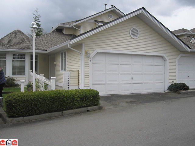 """Main Photo: 44 8737 212TH Street in Langley: Walnut Grove Townhouse for sale in """"CHARTWELL GREEN"""" : MLS®# F1110715"""