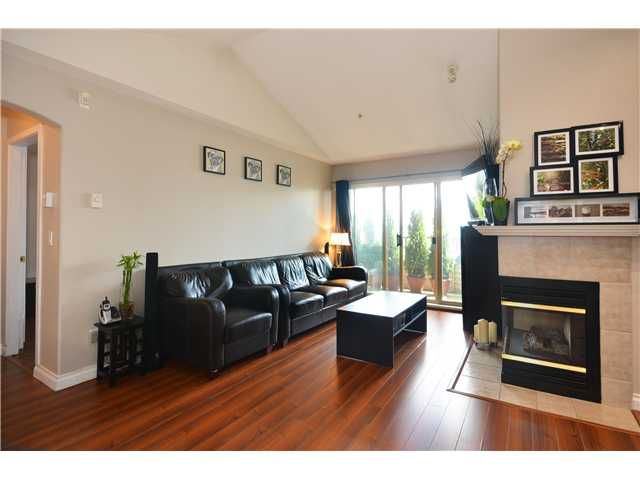 """Main Photo: 409 210 ELEVENTH Street in New Westminster: Uptown NW Condo for sale in """"DISCOVERY REACH"""" : MLS®# V1042242"""