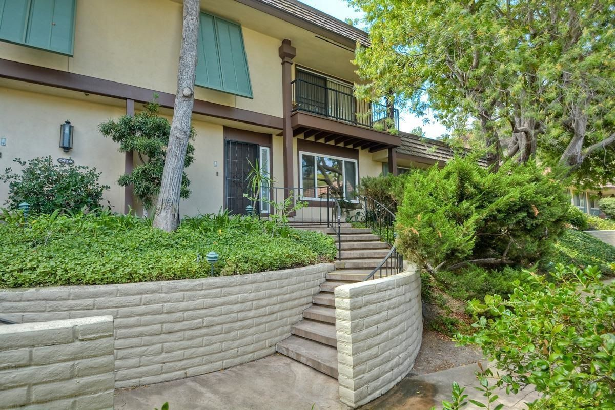 Main Photo: SAN DIEGO Townhome for sale : 3 bedrooms : 4415 Collwood Lane
