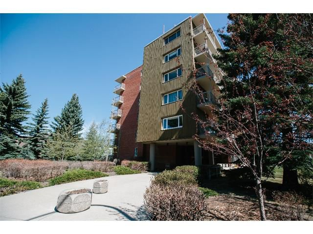 Main Photo: 301/302 3204 RIDEAU Place SW in Calgary: Rideau Park Condo for sale : MLS®# C4008642