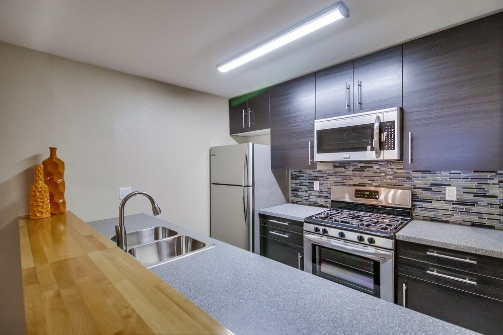 Main Photo: SAN DIEGO Condo for sale : 2 bedrooms : 1605 Hotel Circle South #B216